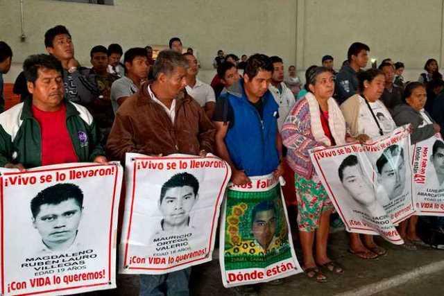 CNTE-Michoacan-padres-normalistas-Ayotzinapa-2