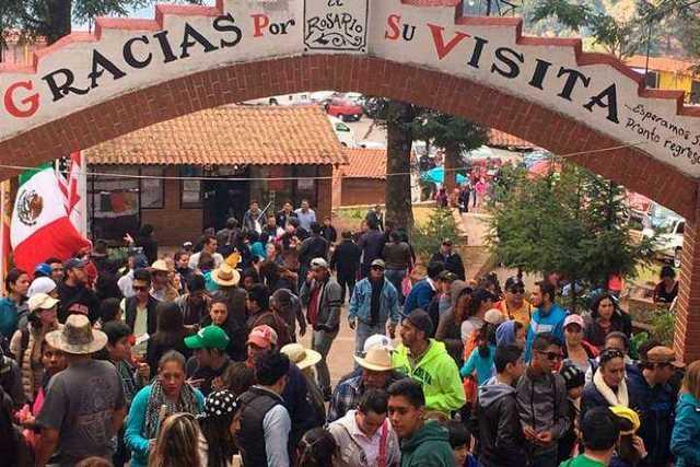 Turistas-Michoacan-Sectur