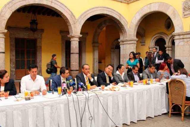 bandaca-PRD-Congreso