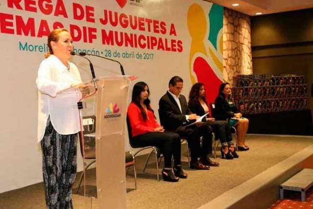 Rocio-Beamonte-Romero-DIF-Michoacan