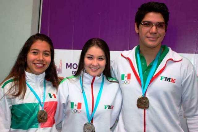 morelianos-medallas-karate
