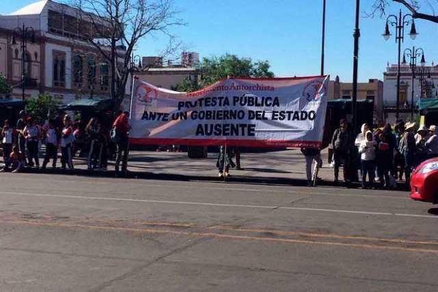 protesta-Antorcha-Campesina-Palacio-2