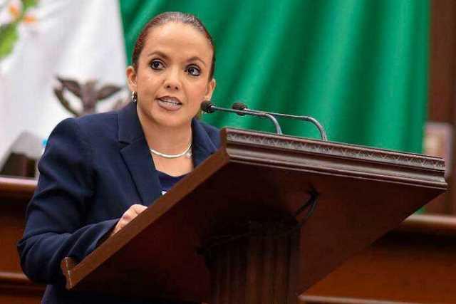 Andrea-Villanueva-Congreso