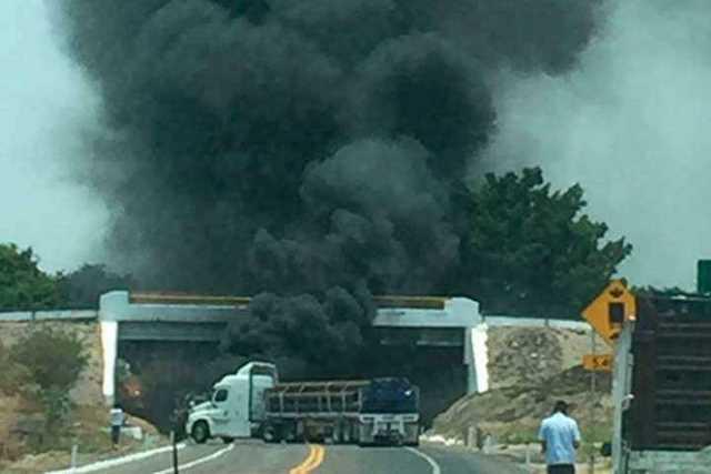 bloqueo-incendio-carretera