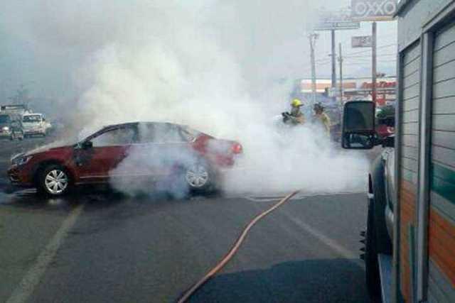 narcobloqueo-Michoacan-incendio-vehiculo-9