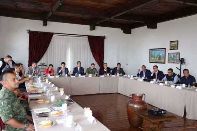 El Gobernador del Estado encabeza reunión del Grupo de Coordinación para la Seguridad Local de Morelia.