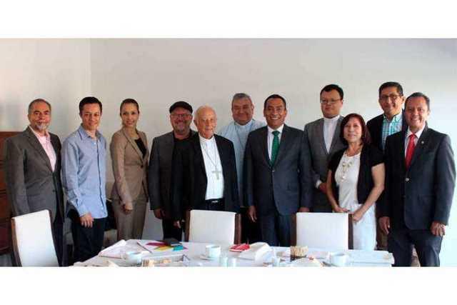 Adrian-Lopez-Solis-y-Consejo-Interreligioso