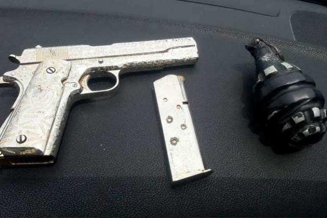 pistola-y-granada-decomisada