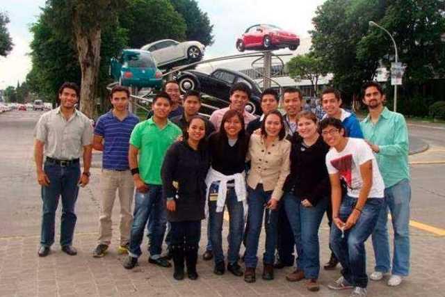 alumnos-UMSNH-Volkswagen
