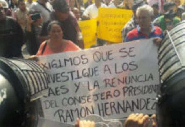 IEM protesta contra Baltazar Gaona