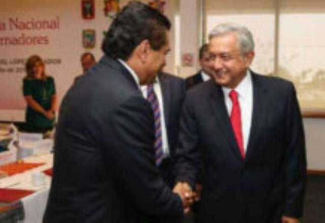 Silvano Aureoles y Andres Manuel Lopez Obrador AMLO