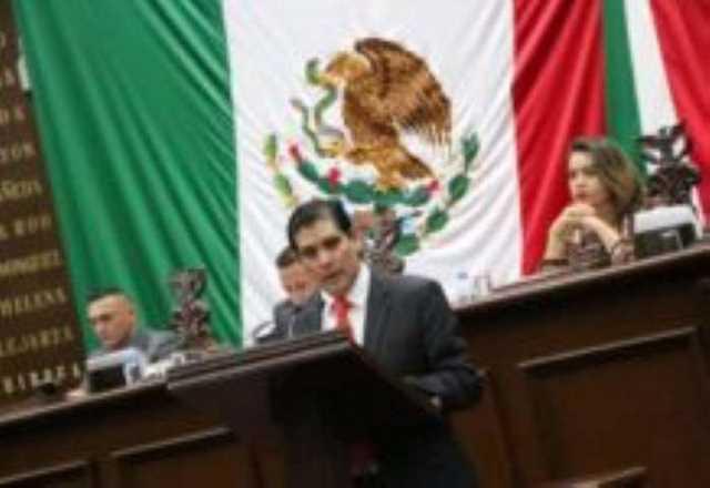 18 Ernesto Núñez
