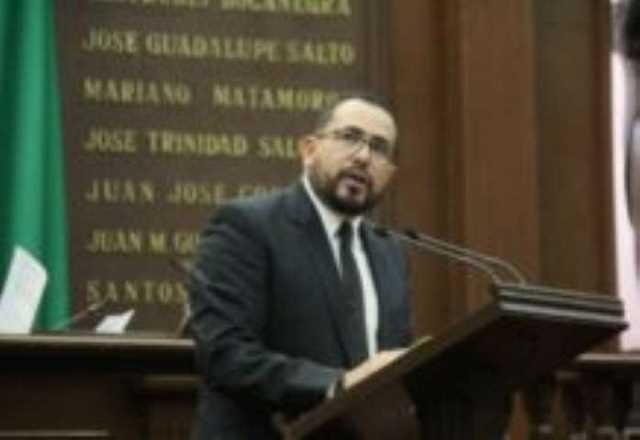 6 Salvador Arvízu