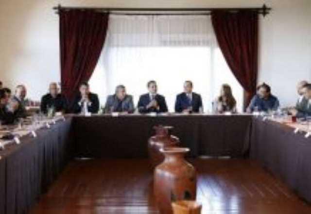 Silvano Aureoles delegados federales